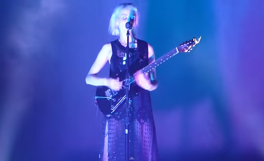 Setlist / Video: St. Vincent @ Chicago Theater 12/2/14
