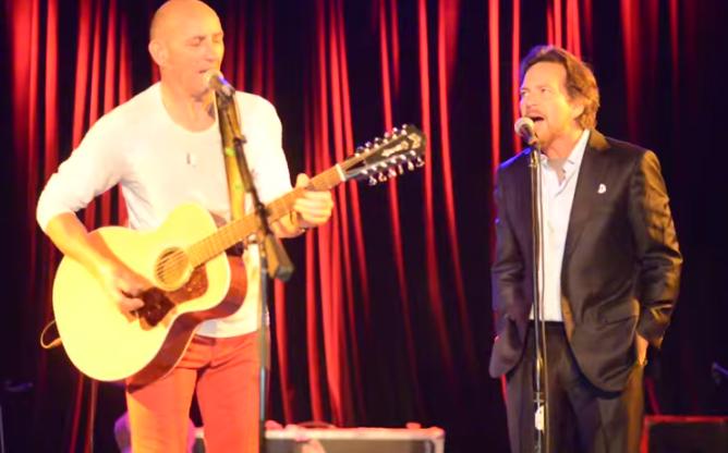 Video: Eddie Vedder Joins Simon Townshend @ Martyrs' 5/12/15