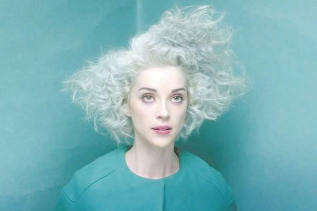 St. Vincent Covers Golden Girls Theme,