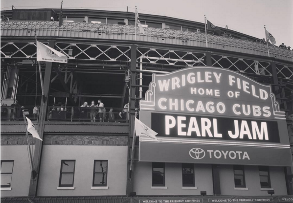 Pearl Jam Drops Eight Covers Amongst Saturday Wrigley Show | Setlist + Videos 8/20/16