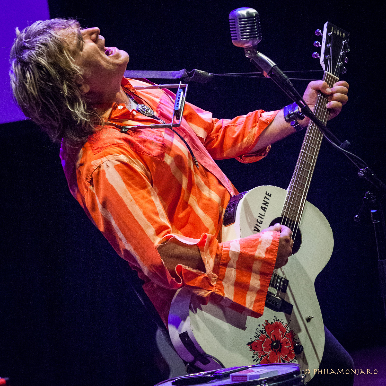 PHOTOS / RECAP | Mike Peters @ Old Town School of Folk Music 9/23/16