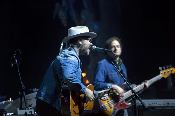 Review / Video / Setlist | Wilco @ Chicago Theatre 2/22/17