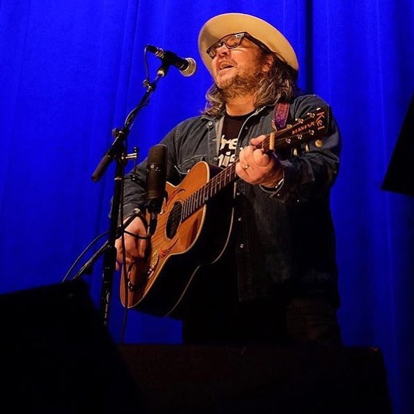 Setlist / Videos | Jeff Tweedy @ Vic Theatre April 2017