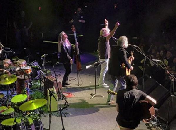 Sammy Hagar & Friends Offers Acoustic Weir & Friends Set, New Foo Fighters Tune