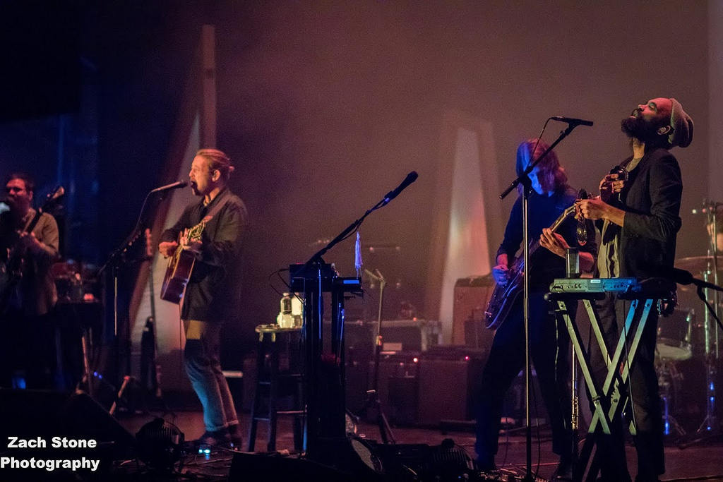 Review / Photos / Video / Setlist | Fleet Foxes @ Chicago Theatre 10/3/17