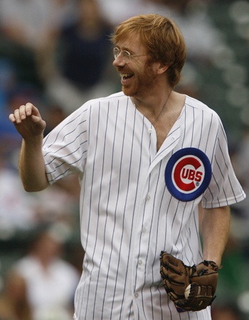 Trey Anastasio, singer from the band PHISH, preparing to throw out the first pitch at Wrigley Field, Chicago, Illinois, USA. July 20, 2006, the Chicago Cubs, led by pitcher Carlos Zambrano over the Astros by a score of 4 to 1.